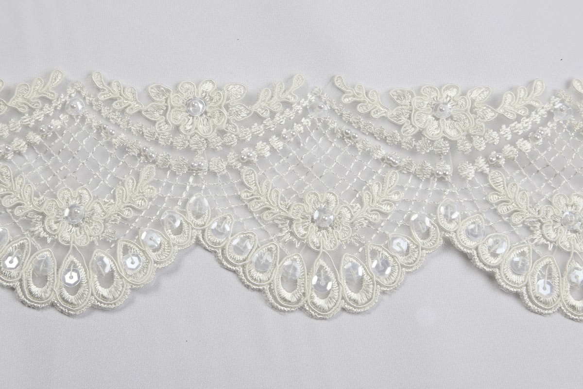 Beaded Bridal Trim B914